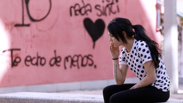 María, vecina de la víctima de Lucena, en el patio común en el que solían compartir charlas