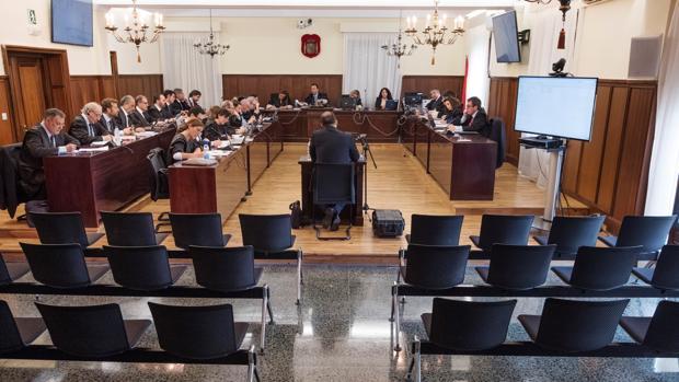 Uno de los dos guardias civiles de la UCO inicia la ronda de declaraciones en la Audiencia de Sevilla de los casi 150 testigos del caso