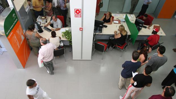 La junta de andaluc a da tareas de funcionarios a enchufados de una fundaci n que estaban - Oficina del servicio andaluz de empleo ...