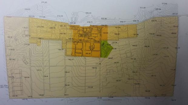 En amarillo intenso la zona que está excavada