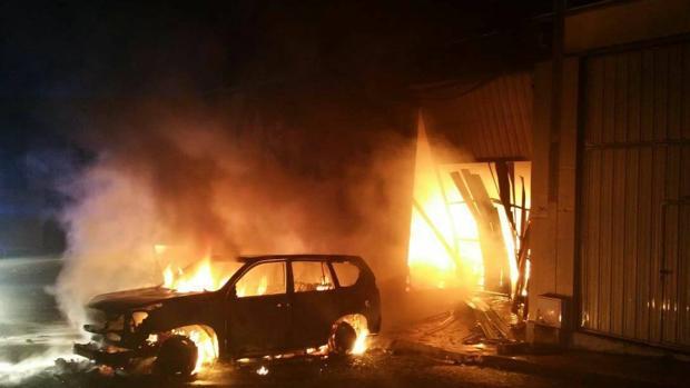 David Ávila envió esta foto a los medios locales de Marbella cuando le incendiaron el gimnasio en San Pedro