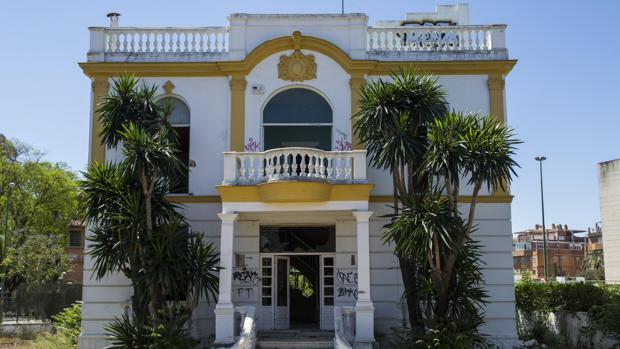 Vista del local de «Don Ángelo´s» en Sevilla, donde se pagó con la tarjeta de la FAFFE