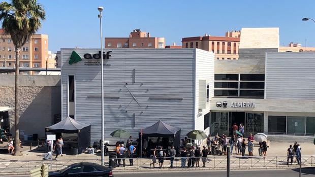 Un momento del rodaje en la Estación Intermodal de la capital almeriense