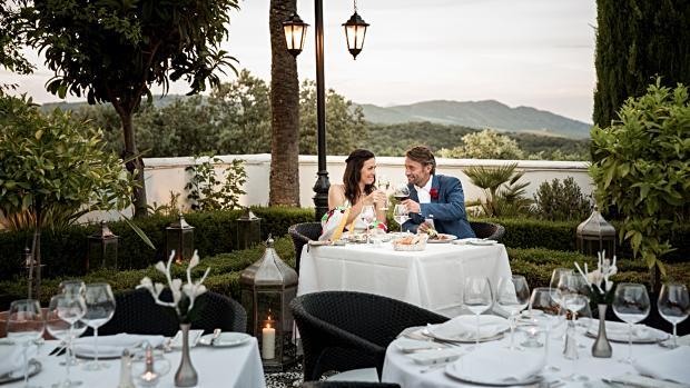 El Hotel La Bobadilla 5 estrellas se encuentra a las afueras de Loja, en plena naturaleza.