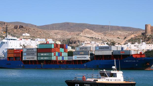 Maersk llega al Puerto de Almería de la mano de Cosentino.