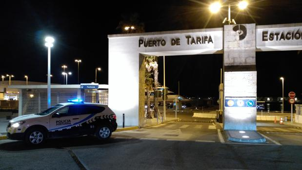 Acceso al puerto de Tarifa, junto al que sucedieron los hechos