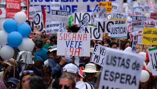 Algunos manifestantes el pasado domingo en Sevilla