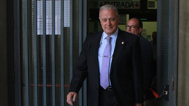 Ángel Ojeda, a su salida de los juzgados de Sevilla en mayo de 2016