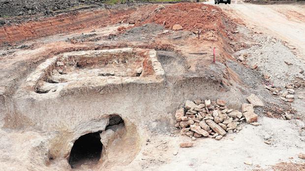 El horno alfarero romano apàrecido en las obras de la variante norte de Lucena