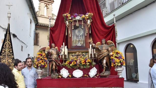 Altar instalado por la hermandad del Huerto