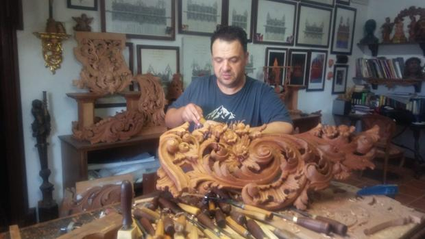 José María Higuera en su taller
