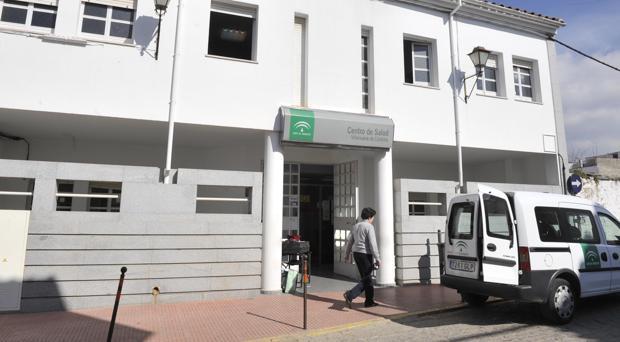 Fachada del centro de salud de Villanueva de Córdoba