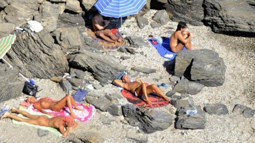 Las Mejores Playas Nudistas De Andalucia