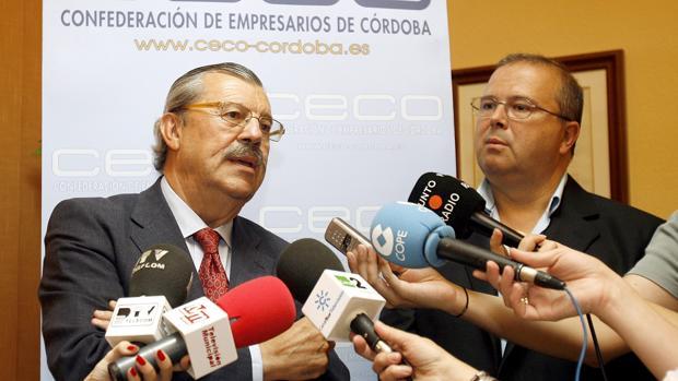 Vicente Serrano en una rueda de prensa