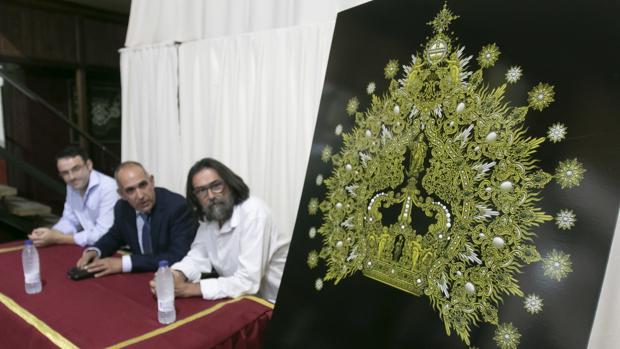 Presentación de la corona de la Virgen de la Esperanza