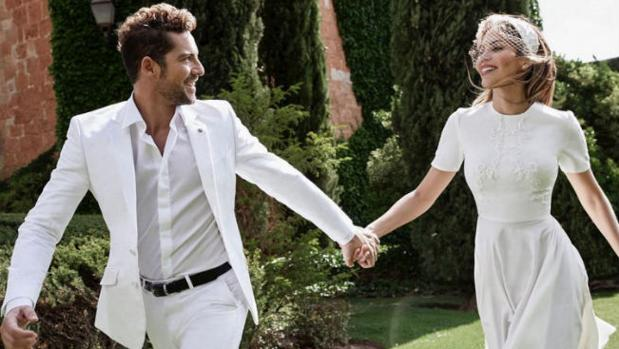 David Bisbal y Rosana Zanetti, que lleva el vestido de la diseñadora cordobesa Juana Martín