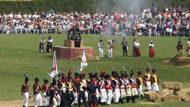Figurantes escenifican la batalla de Bailén