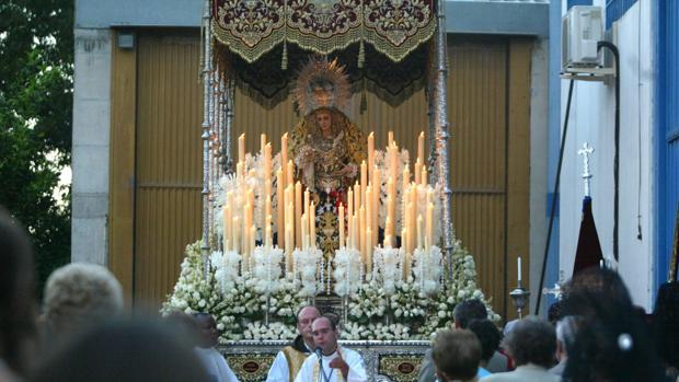 La Virgen de los Dolores de Alcolea, en una salida extraordinaria