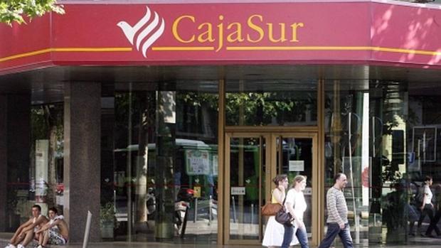 cajasur cierra el primer semestre con 13 8 millones de