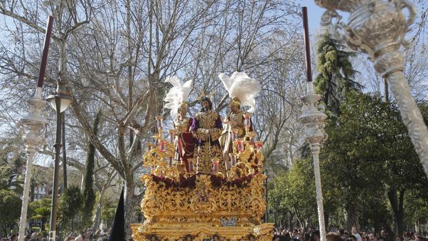 El Señor de la Redención por la Plaza de Colón