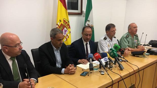 Gómez de Celis, ante los micrófonos, tras la primera mesa de coordinación en Algeciras.