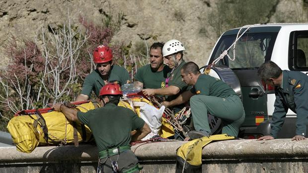 Rescate de una persona del fondo de un barranco