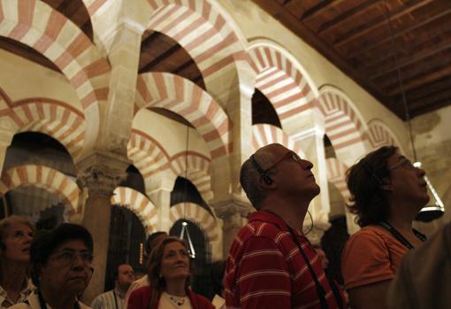 La sociedad cordobesa satisfecha por el acuerdo para la visita nocturna de la mezquita catedral - Visita mezquita cordoba nocturna ...