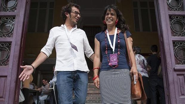 El alcalde de Cádiz y Teresa Rodríguez