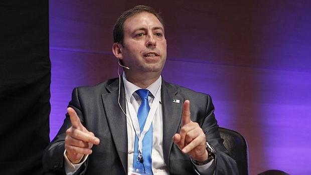 El alcalde de Jun, José Antonio Rodríguez Salas, conocido por su faceta tuitera