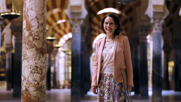 Gloria Lora en la mezquita-catedral de Córdoba