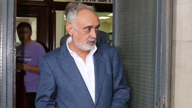 Fernando Villen Rueda, exdirector general de la Faffe, tras declarar este jueves en los juzgados de Sevilla