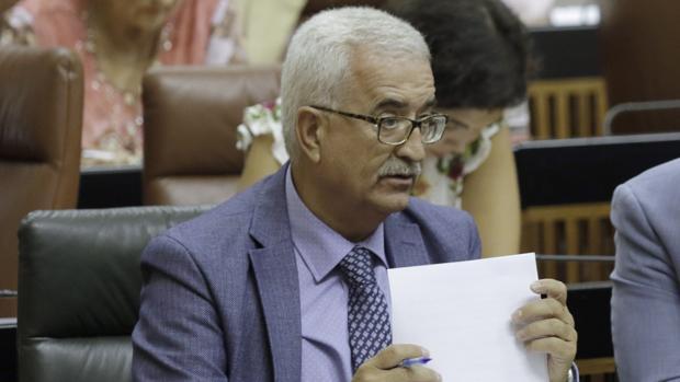 El vicepresidente de la Junta, Manuel Jiménez Barrios, es el responsable del BOJA