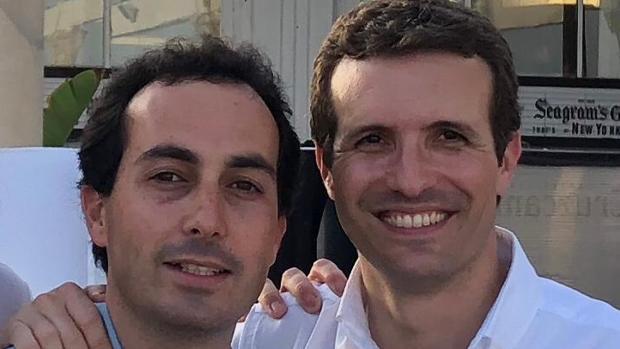 Miguel Ángel Ruiz, junto a Pablo Casado
