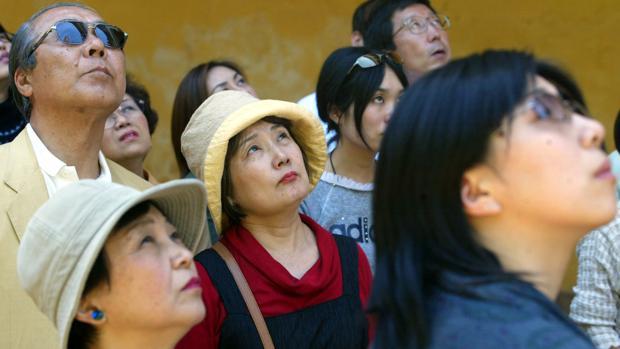 Turistas asiáticos en la Mezquita Catedral de Córdoba