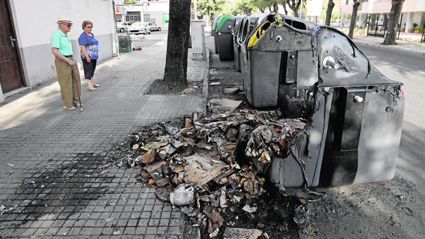 Contenedores quemados en agostyo pasado en la Fuensanta