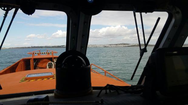 Imagen tomada desde el interior de una embarcación de Salvamento Marítimo