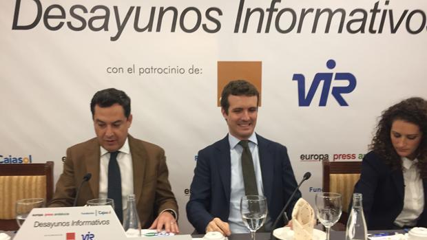 Pablo Casado y Juanma Moreno, en el acto de Jaén