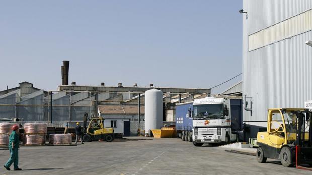 Exterior de la factoría de Cunext Cooper, que encabeza el comercio exterior industrial