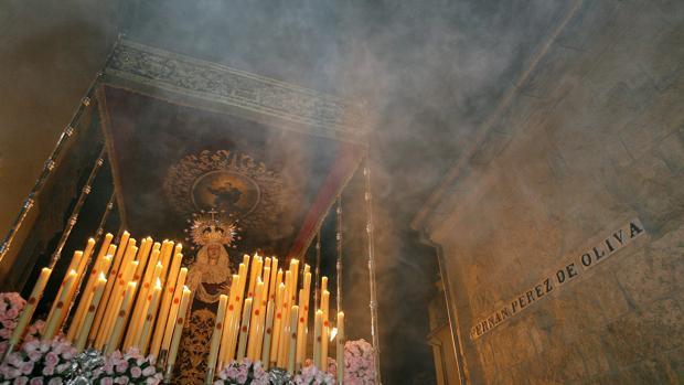 María Santísima de la Caridad en su paso de palio durante su salida procesional el Martes Santo