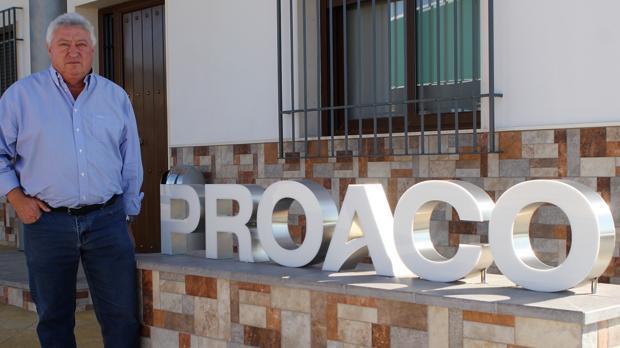 El gerente de Proaco, Antonio González, en la sede de la compañia ajera