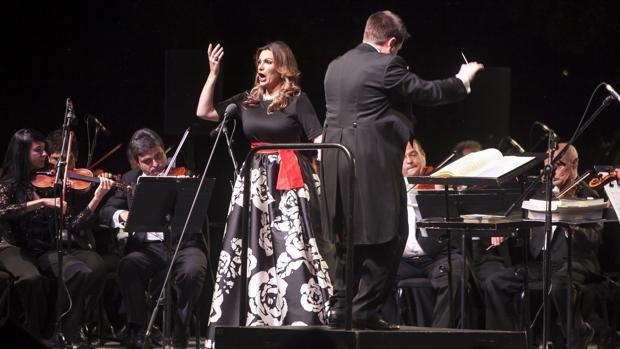 Ainhoa Arteta estará con Manuel Lombo en el Gran Teatro este viernes