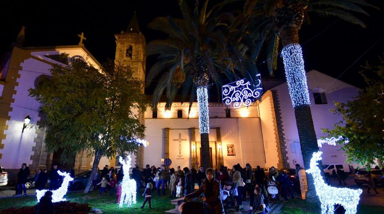b0af8ee0846 Los pueblos de Córdoba llenan su Navidad de luces