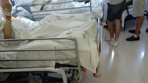 La Marea del Cucharón achaca el suceso a la masificación del hospital