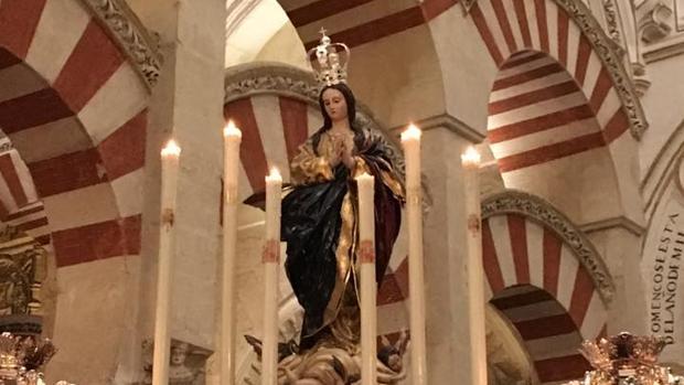 Imagen de la Inmaculada Concepción en el interior de la Mezquita-Catedral en el año 2017