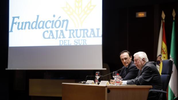 El presidente de la Fundación Caja Rural del Sur, José Luis García Palacios, durante la conferencia en Córdoba en la que murió