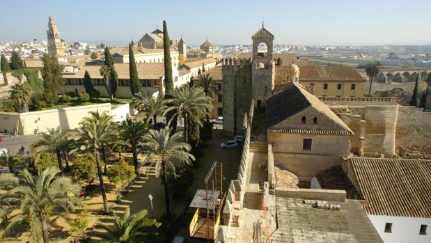 Una de las torres del Alcázar de los Reyes Cristianos