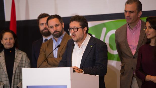 Vox ha publicado un documento con 19 propuestas para negociar con el PP