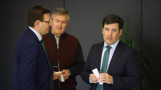 El presidente del Córdoba CF, Jesús León, en los instantes previos a la Junta