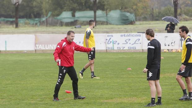 Curro Torres durante un entrenamiento