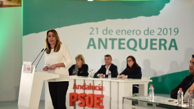 Susana Díaz se dirige al comité director reunido en Antequera